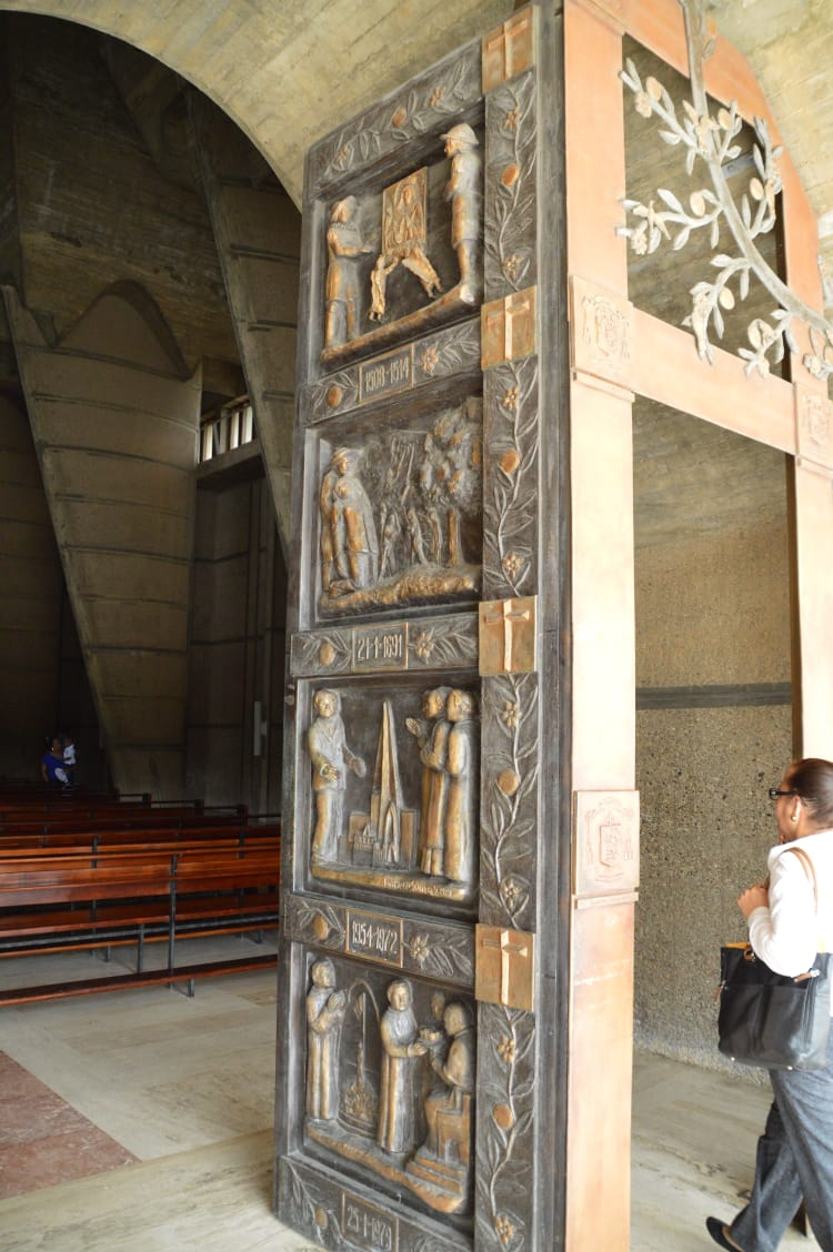 katedra2.jpeg